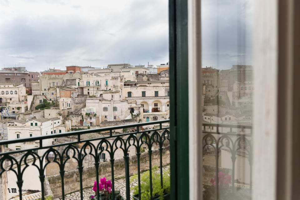 B&B La casa di Ele (Bed and Breakfast Matera): balconcino con vista sui Sassi