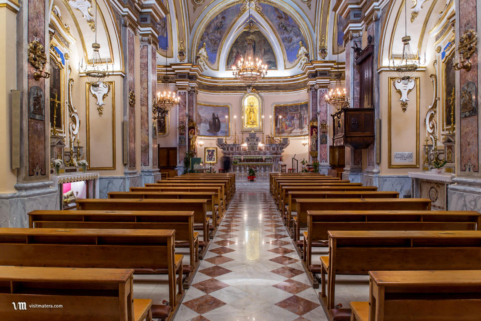 San Francesco da Paola (Chiesa Matera): navata